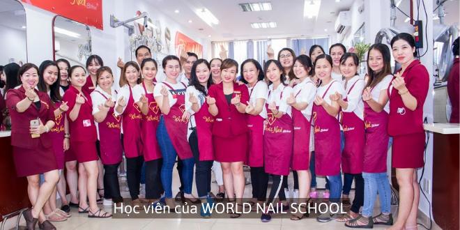 Học viên phun xăm thẩm mỹ của World Nail School