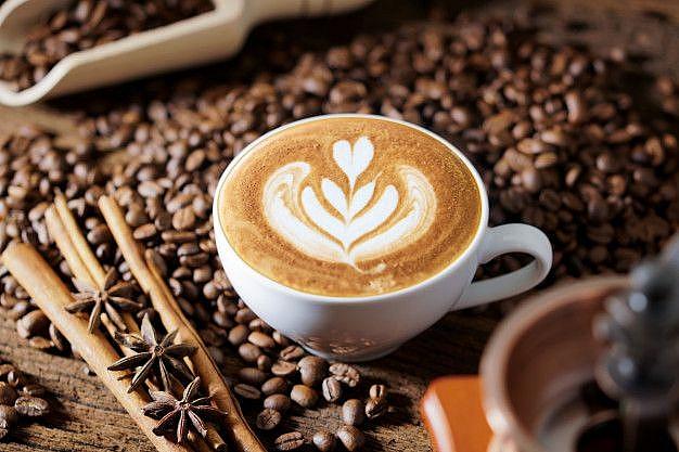 phụ nữ chuẩn bị mang thai và đang mang thai tiêu thụ dưới 200 miligam caffein mỗi ngày là an toàn.