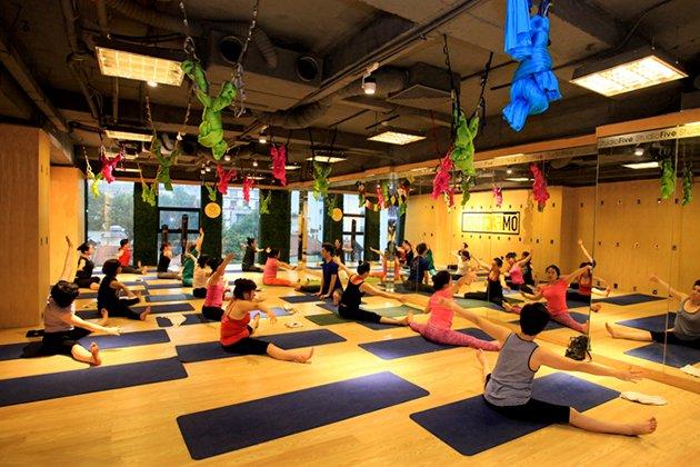 khóa học yoga tại om factory hà nội