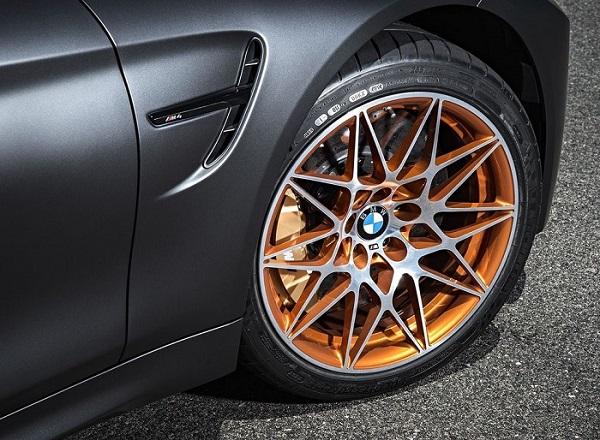Mâm xe của M4 GTS rất phù hợp với những người mê xe thể thao, trẻ trung và cá tính.