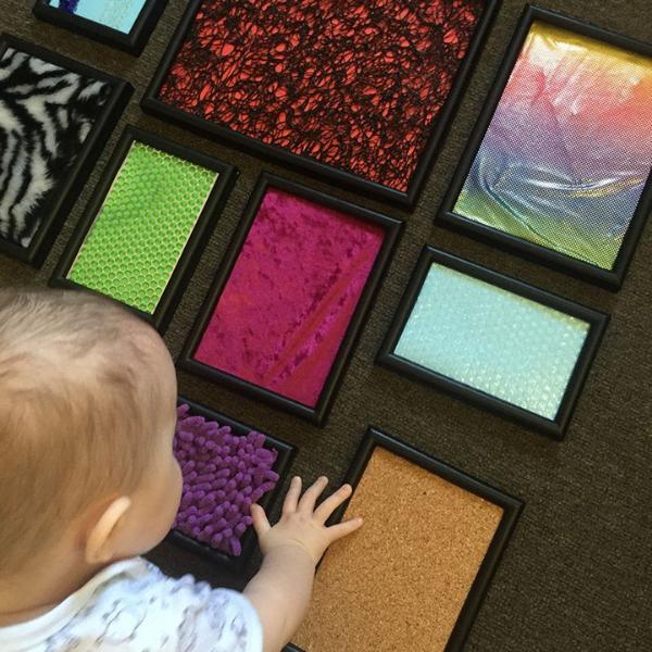 trò chơi tại nhà cho trẻ sơ sinh