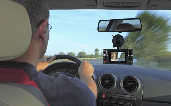 Dung lượng hỗ trợ thẻ nhớ là điều các bác tài cần cân nhắc trước khi xuống tiền cho một camera hành trình ô tô.