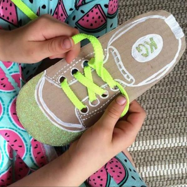 DIY cùng trẻ - làm giày từ giấy