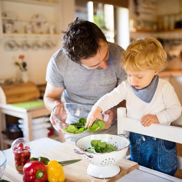 phương pháp montessori hướng trẻ kỹ năng sống trẻ