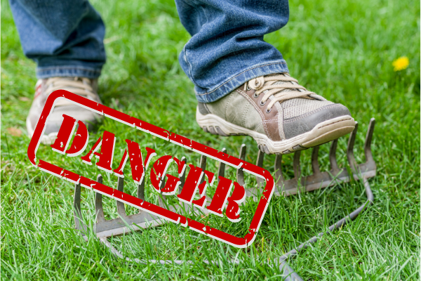 Cẩn thận với các dụng cụ làm vườn để bảo vệ cơ thể bạn