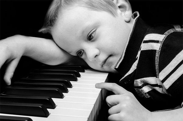 khi trẻ bị ép buộc làm những việc mà chúng cảm thấy không thú vị chúng sẽ cảm thấy chán nản và mất tập trung
