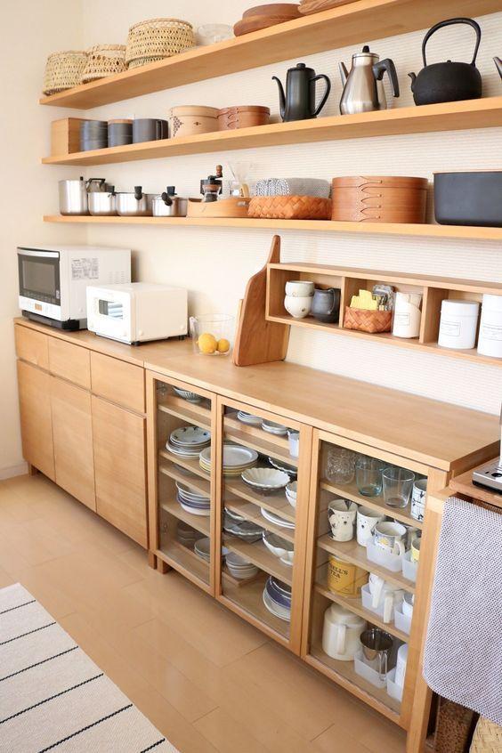 Mẫu tủ bếp có nhiều ngăn chứa