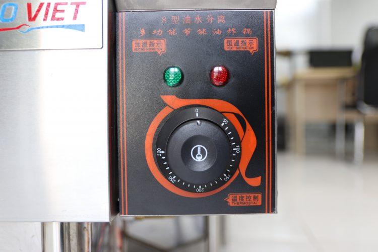 Núm điều chỉnh nhiệt độ an toàn, tiện lợi