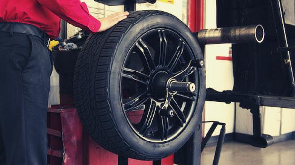 Dòng cân mâm bấm chì ô tô HPA tới từ Ý có độ chính xác khá cao.