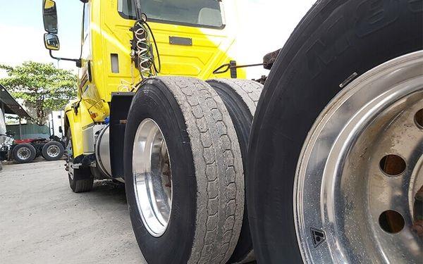 Giá lốp xe tải mỗi loại là khác nhau.