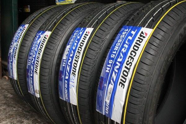 Giá lốp xe tải Bridgestone khá cao trên thị trường.
