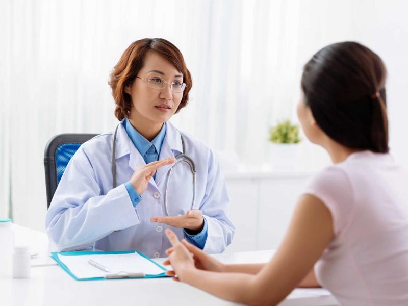 Thảo luận với bác sĩ điều trị u xơ tử cung