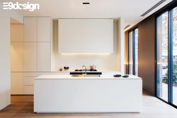 2.8. Thiết kế tủ bếp biệt thự phong cách Minimalism tối giản